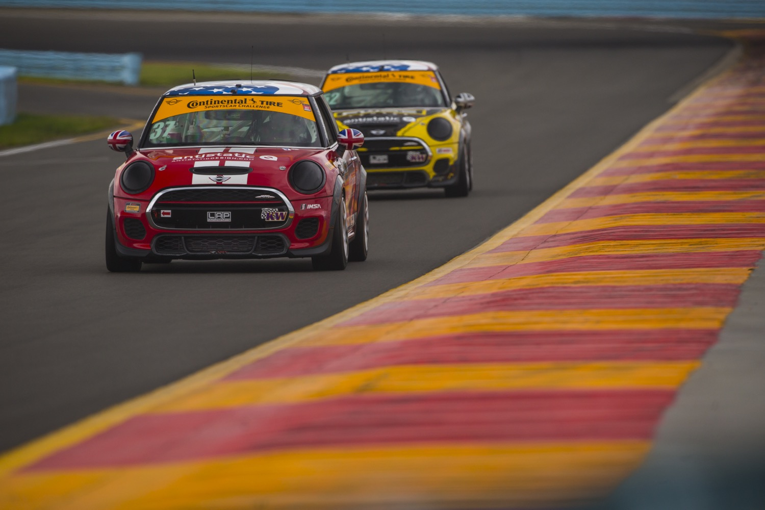 Watch Minis 1 2 Finish At The 2017 Continental Tire 120 From